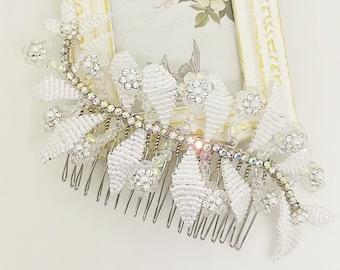 Crystal hair comb, leaf hair comb, beaded hair comb, wedding hair comb, bridal hair comb, bridal hairpiece, white hair comb, rhinestone hair