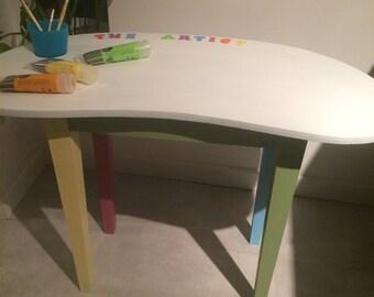 Small child's desk