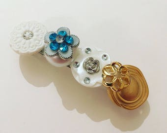 Barette hair clip with buttons