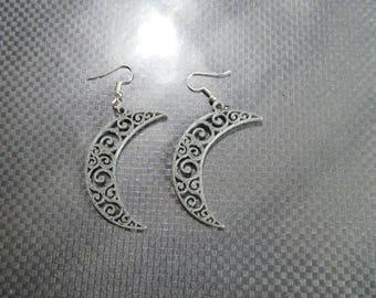 Moon earring