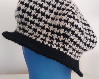 Crocheted Houndstooth Visor Newsboy Hat
