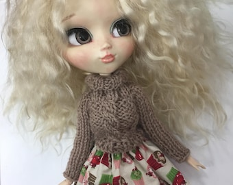 Pullip doll sweater and skirt/skirt outfit