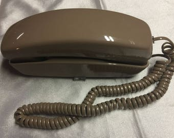 Vintage 1991 GTE Medium Brown Retro Corded Pushbutton Desk Telephone RJ11C ~working