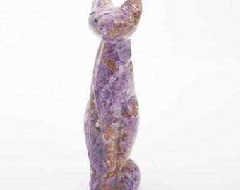 Charoite cat statuette 15 cm. 286 grams.