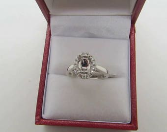 18ct White Gold Semi Set Ringmount(suitable for 8x6 oval)