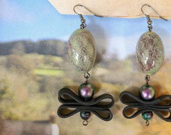 Dragonfly (handmade earrings from recycled bicycle inner tube and beads)