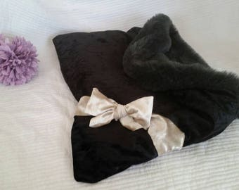 Luxury XS pet Pouch/choose your own colour/Snuggle pouch/Blanket/Bedding/Cave bed/Sleeping bag/Crushed velvet/Faux fur