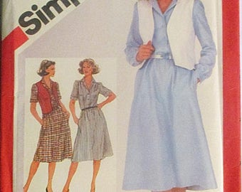 30% OFF SALE 1980s Vintage Sewing Pattern Simplicity 5496 Misses Shirtdress & Vest Pattern Size 12 Uncut