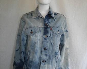 Closing shop SALE 40% off LEVI'S Vintage Denim Jean Jacket    526 buttons