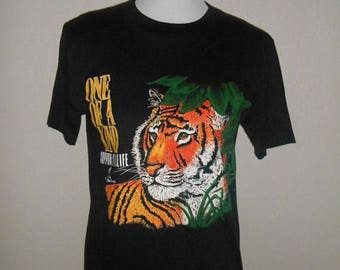 Closing Shop 40%off SALE 90s   shirt tee t shirt  TIGER   Wild Life Fund          1990