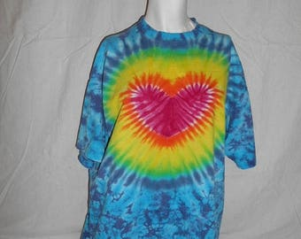 Closing Shop 40%off SALE 80s 90s HEART  tie dye t shirt