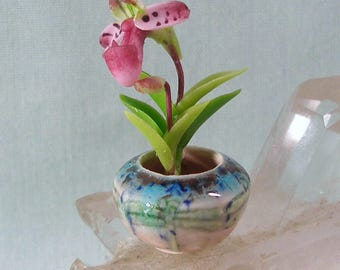 Miniature Dragonfly in the Mist Porcelain Vase with fancy Pink Orchid in One Inch Dollhouse Scale