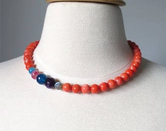 Short necklace coral and gemstones