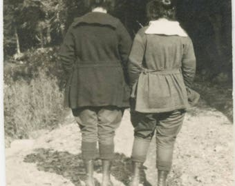 Vintage photo 1918 Abstract Women from Back shows rear View