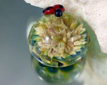 lady bug paper weight, lampwork paperweight, air trap implosion glass, miniature paperweight, small paper weight, soft glass implosion
