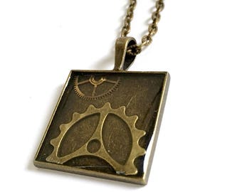 CLOSING DOWN SALE Steampunk Vintage Clockwork Bronze Resin Pendant Necklace