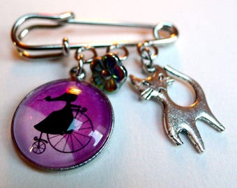 Minibroche, moon, fairy and her cat B117
