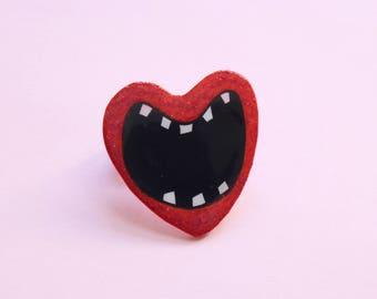 Screaming Valentine Brooch / Pin