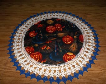 Crocheted Halloween Glowing Pumpkins Doily Halloween Lace Centerpiece Fabric Center Crocheted Edging Table Topper Decoration Gift