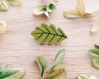 Oak leaf wooden brooch . Wooden pin . Lapel pin . Badge . Nature lover . Gift for Her . Gift for Teens . Outdoor plant lover . Tree lover
