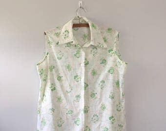 Vintage 1960s green Floral print button up Sleeveless button up tank top