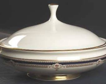 Buchanan by LENOX Round Covered Vegetable Dish Discontinued 1985 - 1999 - Beautiful China! Presidential, Cobalt & Tan Scrolls