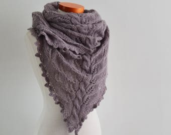 Lace knitted shawl, mauve.