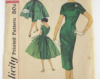 1950s Simplicity pattern 2602  dress and overskirt MISSING overskirt pc and envelope back size 13 bust 33