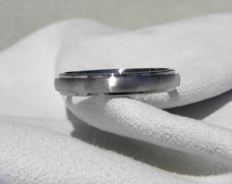 Titanium Ring, Wedding Band, 4mm, US size 10, Clearance Price Listing