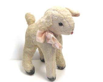 Vintage Plush Musical Lamb/ Plays Brahm's Lullaby/ Baby Animal Toy