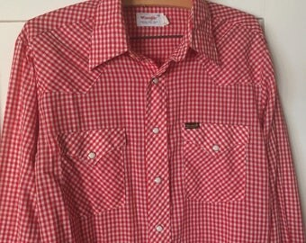 Vintage Wrangler Shirt, 1970s Mens vintage shirt Red Gingham plaid 70s shirt Mens vintage cowboy shirt casual oxford button down pearl snap