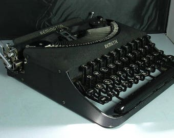 Vintage dRemington Remette Portable Manual Typewriter with Case