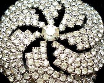 """XL 60s Rhinestone brooch, Swirl star design. 2.5"""""""