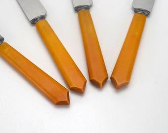 Bakelite Handled Flatware, 4 Dinner Knives, Butterscotch Bakelite Knives, Vintage Kitchen