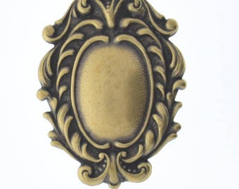 Brass stamping scrolled border , cameo ,  victorian motif ,  sold by each 04212AG