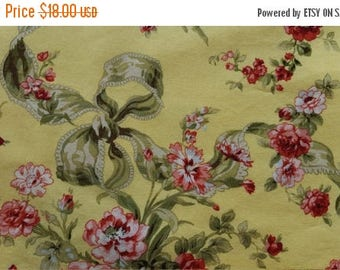 SALE Table Runner Flowers Red Pink on Yellow Padded
