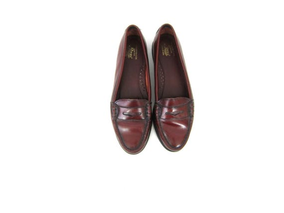 Reddish Brown Leather Loafers Slip Ons BASS Modern Preppy Slippers Work Shoes Penny Loafers Womens size 8.5