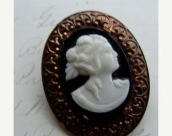ONSALE Vintage Antique Gothic Cameo Brooch N051