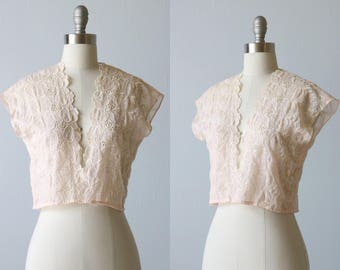 Vintage Embroidered Lace Cropped Top / 1950s Cropped Vest / Pink