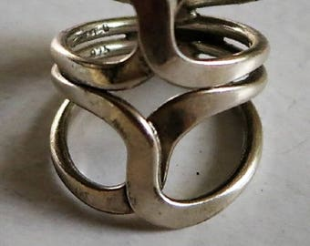 A Sterling Silver Open Work Ring from Mexico Size 7