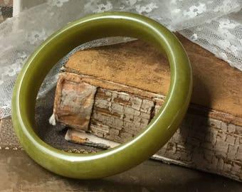 Genuine Asparagus Green Bakelite Bangle Bracelet Unsigned Flat Inside Convex Outside Mottled Green 1940's 1950's Smooth Finish Feminine