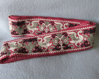 """Antique Wool Trim with Birds & Urns, 5 1/3 Yards, 192"""" long"""