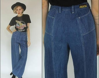 SUMMER SALE Vintage 70s Wrangler Denim Bell bottom High waist Light wash Wide leg Boho Jeans M L