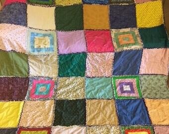 Scrappy Rag Quilt Raggy Handmade -- 050