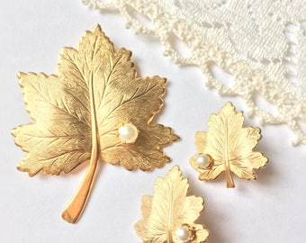 Vintage Signed Sarah Coventry Whispering Leaf Pin Brooch Earrings Sarahcov Demi Parure Set