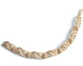 Floral Design Link Bracelet Gold Tone Signed Avon Swirls Flowers Vintage