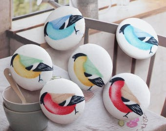 Lovely Rainbow Color Red Yellow Green Blue Flying Bird Birds On White-Handmade Fabric Covered Buttons(1.1 Inches, 5PCS, Choose Color)