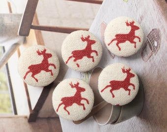 Retro Dark Red Winter Christmas Holiday Running Deer Reindeer On Beige-Handmade Fabric Covered Buttons(0.87 Inches, 5PCS)