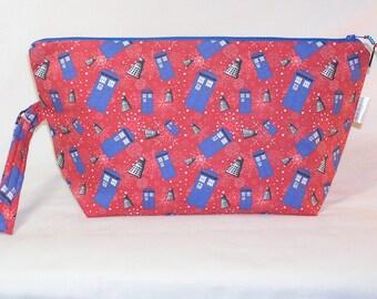 Tardis and Daleks on Red Beckett Bag - Premium Fabric
