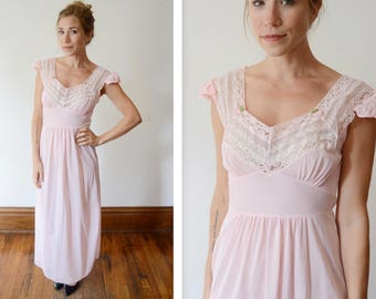 1950s/1960s Pink Lace Nightgown
